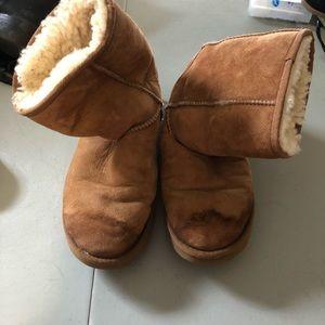 Chestnut short ugg boots size 8